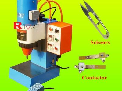 铆接直径3毫米的气动铆接机,瑞威特铆接机,摆展铆接机