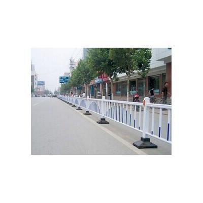 南宁锌钢护栏道路隔离栏多少钱公路护栏批发价
