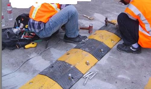 百色减速带厂家橡胶减速带规格样式