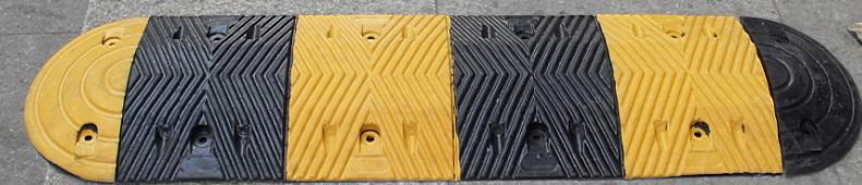 河池橡胶减速带铸钢减速带规格型号