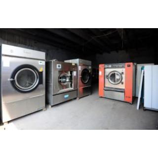 通辽市转让9成新二手干洗机威特斯四氯机二手干洗店设备齐全