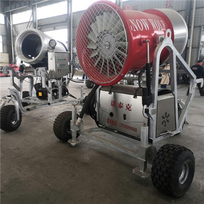 新款造雪机造出真实雪 诺泰克造雪设备