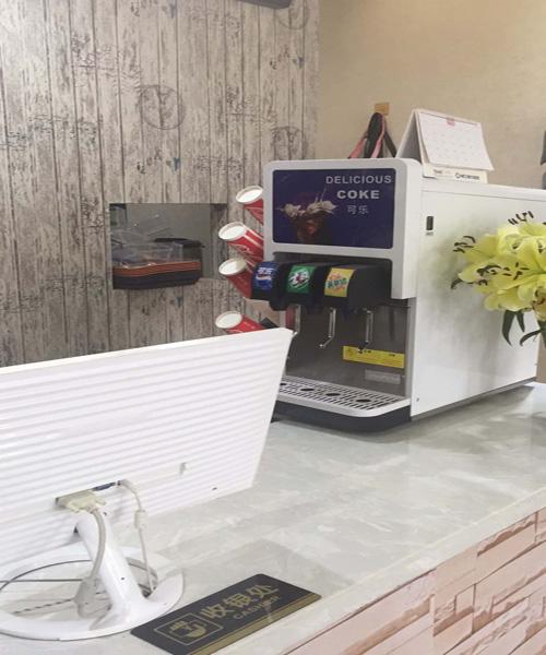 厂家促销三阀可乐机4980送可乐糖浆
