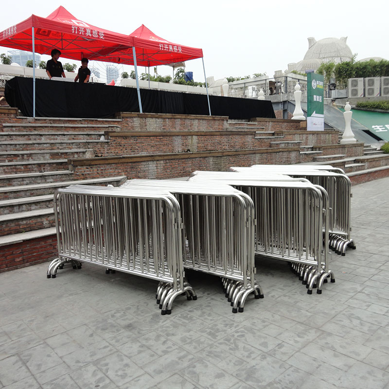 上海铁马租赁 北京隔离墩铁马护栏出租