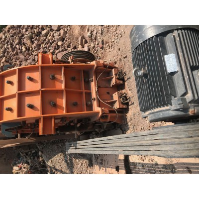 二手日产1000吨二手二合一破碎机碎石机低价处理中