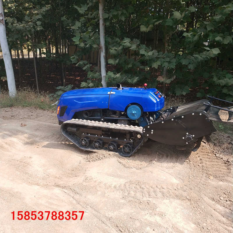 多功能遥控式耕地机小型履带式旋耕机的工作效率