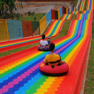 户外定制七彩彩虹滑道 大型组合滑梯厂家 亲子七彩滑道场地设计