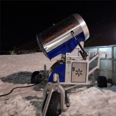 人工造雪机营造平安夜雪景氛围 河南造雪机性能稳定