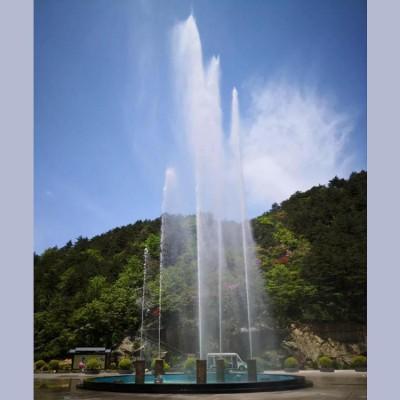 禹州呐喊喷泉带动现场气氛  山东三喜